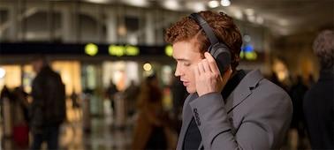 หูฟัง WH-1000XM4 พร้อมระบบสั่งงานด้วยเสียง