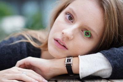 เลือกตาซ้ายหรือตาขวาของตัวแบบ