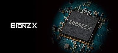 ภาพของ RX100 IV - เจ้าแห่งความเร็วพร้อมเซนเซอร์ภาพ Stacked CMOS 1.0-type แบบติดตั้งหน่วยความจำ